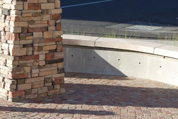 ABQ-Uptown-Stone-Veneer-Pilars